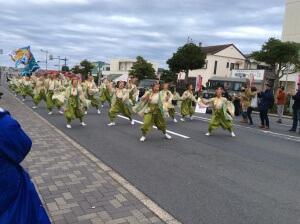 龍の最後の演舞を見ようと他チームの踊り子さんも多かったですね。今頃楽しく打ち上げで飲んでるのかな?