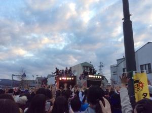 関東のお祭りではあまりない「餅まき」も。盛りだくさんの瑞浪でした