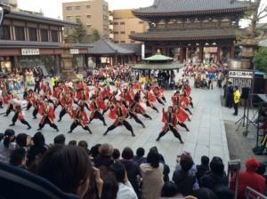 本堂での演舞。川崎大師はなじみある場所ということもあり、より楽しい1日でした!
