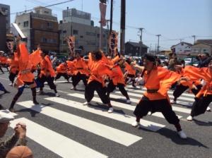 トップバッター・地元の「FORZA木更津」さんは途中から音楽なしで踊りきるとは!拍手もすごかったですね
