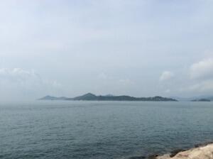 香港というと高層ビルの多いイメージですが、ホテルのある辺りは少なく、ノンビリとした雰囲気