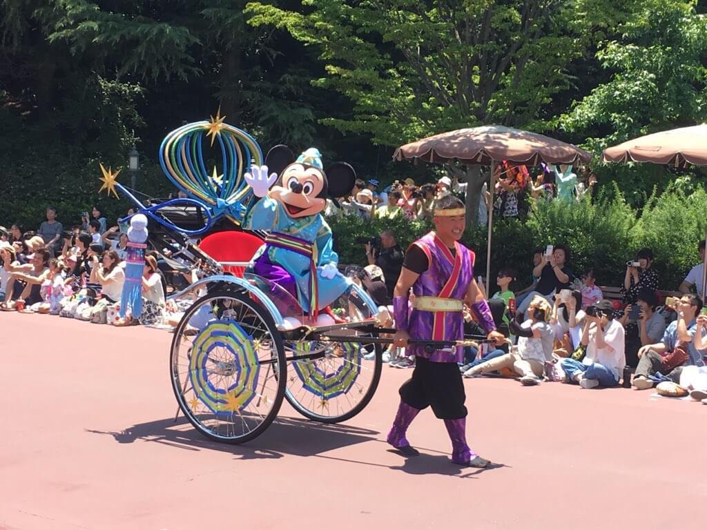 パレードのミッキー。貴重な和装!!