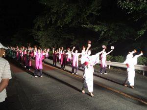 流し踊り会場のラストは町内チームによる「勝手連」ということで、総踊り状態での流し踊りが!