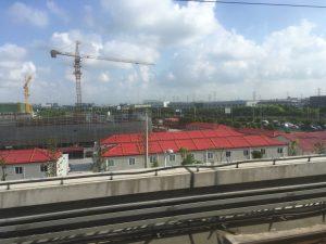 地下鉄と言いつつ、郊外路線は地上を走ることが多いです。この辺は上海のベッドタウンかな?
