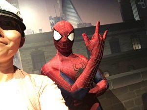 スパイダーマン!まさかディズニーパークで会えるとは…!