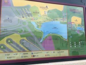 リゾート全景はこちら。ディズニータウン自体はそれほど大きくないものの、隣接する公園があるため、案外大きいです